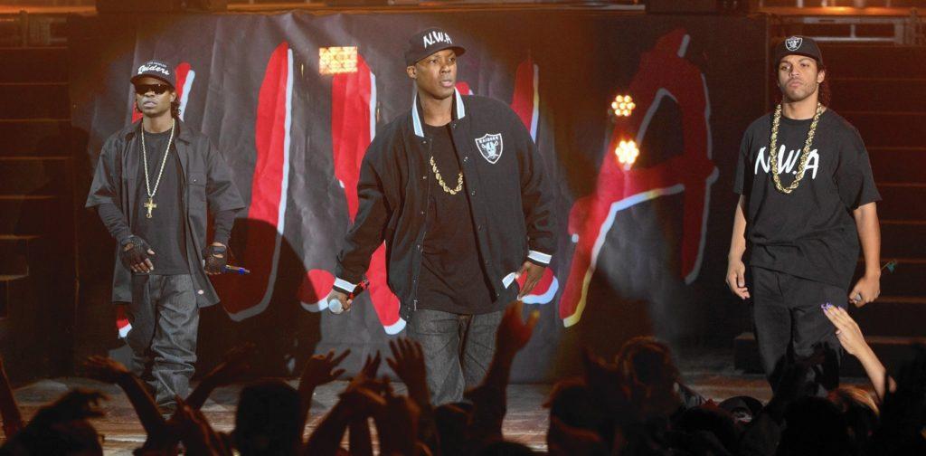 วง N.W.A จาก หนังฮิปฮอป Straight Outta Compton