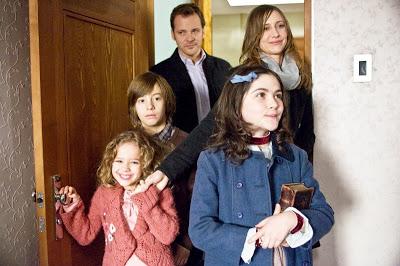 รับเลี้ยงเอสเธอร์จากสถานเลี้ยงเด็กกำหร้า ดูหนัง Orphan เด็กนรก